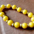 Handmade yellow jade bracelet from Unik Gemz, reminding of summer, fun in the sun and happiness in general.