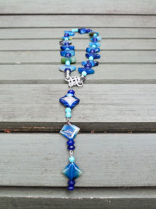 Magnificent handmade agate and turquoise necklace with a tail, perfect to wear on the beach as the colors are straight out of the Caribbean.